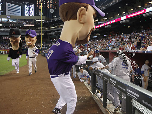 Mark Grace mascot battles Manny Ramirez